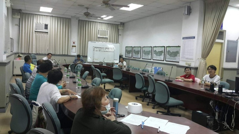 集集鎮公所在涉及公共事務議題都會召開公聽會,甚至在夜間加開場次,方便上班族參加。(記者劉濱銓翻攝)