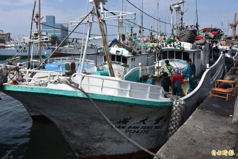 捕獲屏東第一鮪的滿大豐2號漁船。(記者葉永騫攝)