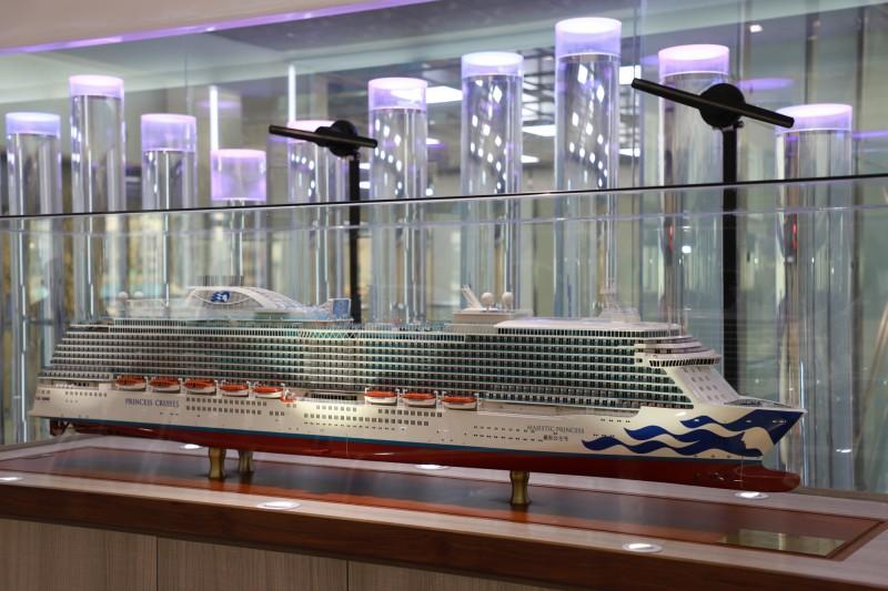 「愛之船」是盛世公主郵輪的主題曲,在基隆港東岸旅客中心2樓每個小時都會播放了。(基隆港務分公司提供)
