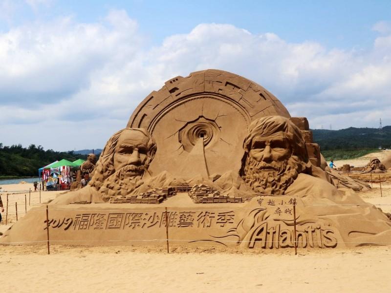 福隆國際沙雕藝術季即日起至8月25日止,為期128天是歷屆展期最長的一次。(交通部觀光局東北角暨宜蘭海岸國家風景區管理處提供)