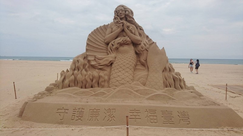 為期128天的福隆國際沙雕藝術季至8月25日止,是歷屆展期最長的一次。(交通部觀光局東北角暨宜蘭海岸國家風景區管理處提供)