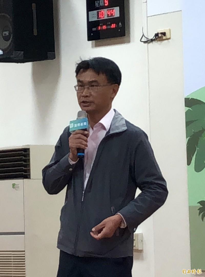 農委會主委陳吉仲呼籲高雄農民也加入香蕉保險。(記者羅欣貞攝)