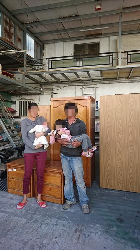 小香一家人住的地方簡陋。(記者王秀亭翻攝)