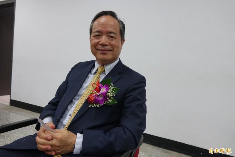 駐印尼台北經濟貿易代表處特任大使陳忠,從1毛1的基層員警做到簡任14職等外交官,再由總統派任為特任大使。(記者劉曉欣攝)