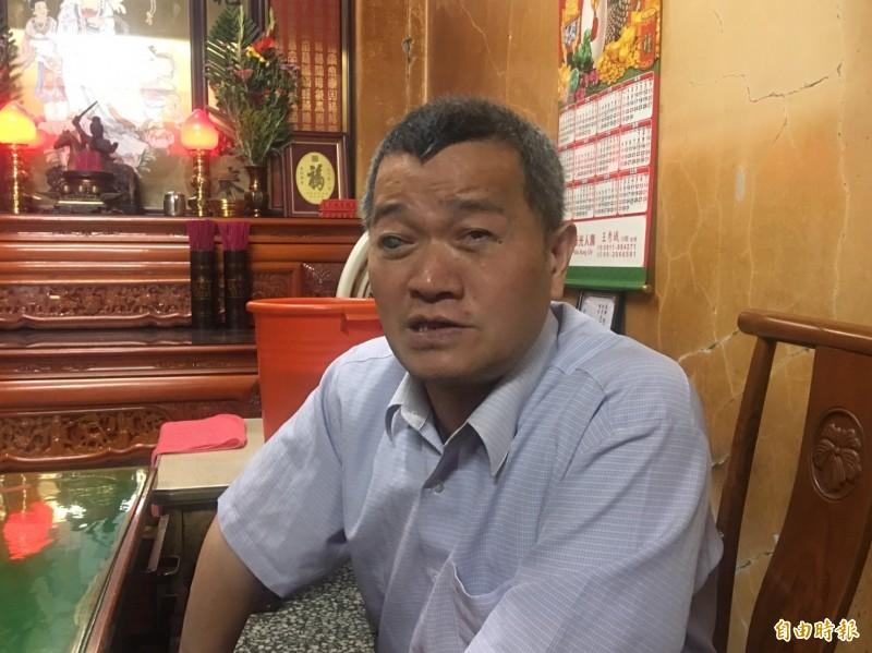 「囝仔仙」陳寬利預言台灣明年將選出「豬」總統。(記者蔡宗勳攝)