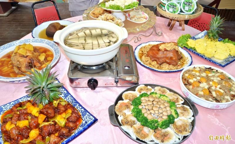 龍崎的鳳梨好筍宴,主打古早味美饌。(記者吳俊鋒攝)