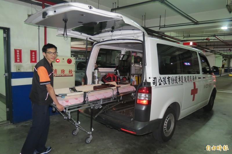 救護車駕駛首度接獲運送移植器官救命任務。(記者蘇孟娟攝)