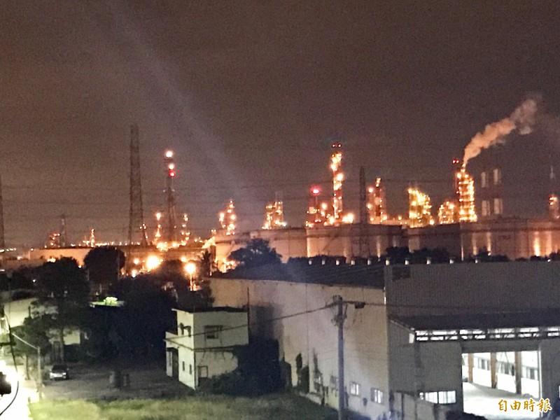 大林蒲長期被工業區包圍,猶如「工業孤島」。(記者洪臣宏攝)