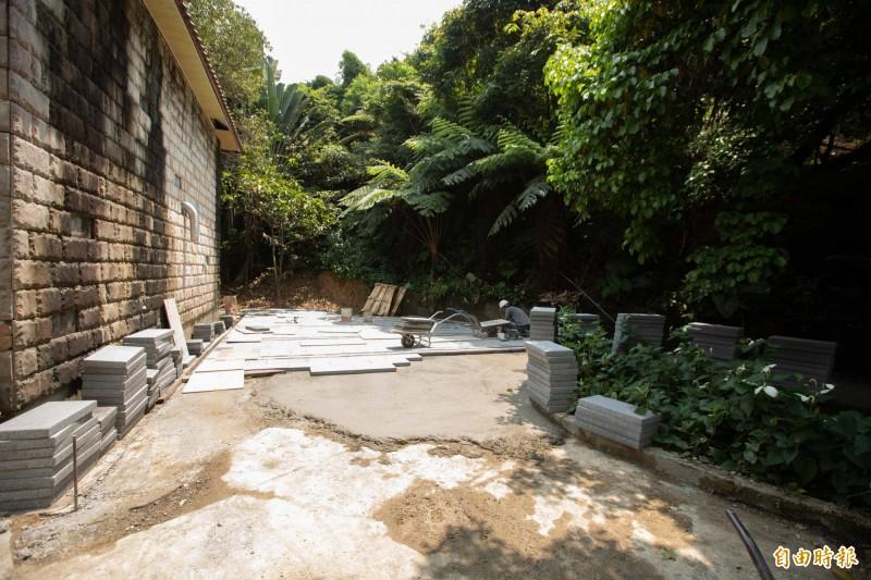 暖東苗圃正進行第二階段的周邊環境景觀工程。(記者林欣漢攝)