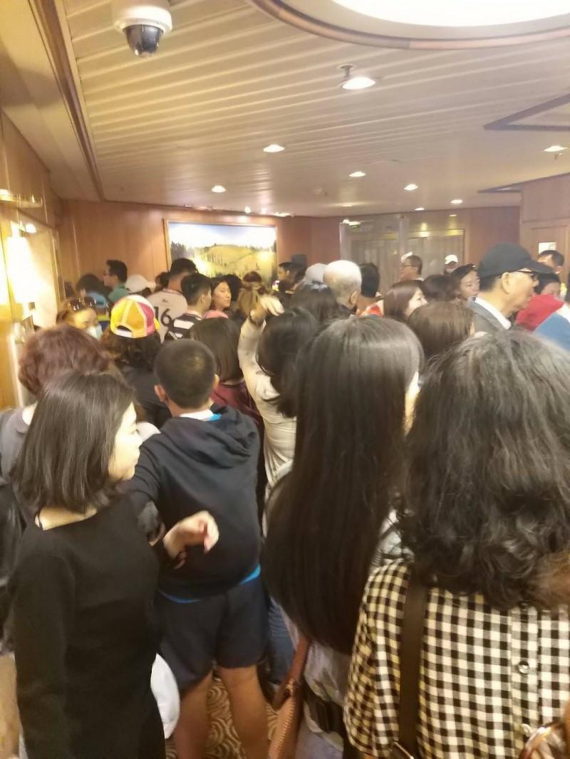 雄獅旅行社販售「太陽公主號」4天3夜郵輪行程,遭旅客痛批淪為「逃難之旅」。(消基會提供)