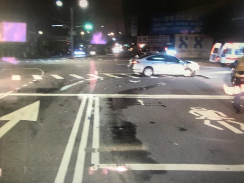 發生車禍事故的路口。(記者許國楨翻攝)