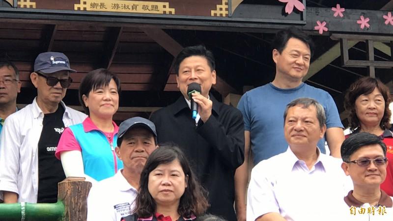 前花蓮縣長傅崐萁自出獄後,今首度出席公開活動,與周錫瑋同台,稱周是他「好兄弟、好朋友」。(記者王峻祺攝)