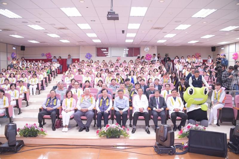 聯合醫院今舉辦國際護師節大會,表揚績優護理人員。(聯合醫院提供)