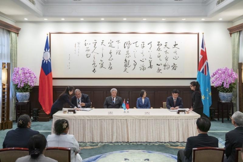 台灣與吐瓦魯簽協定承認我船員證書,增加國際就業舞台。(圖:航港局提供)