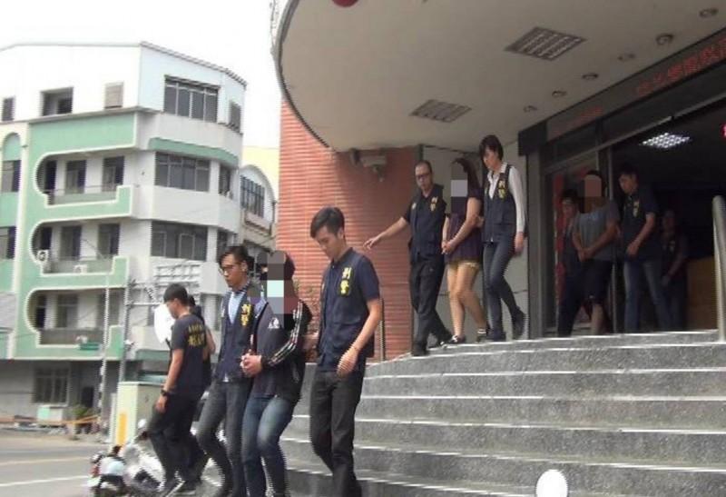台東警方破「家族式」詐騙集團。(記者王秀亭翻攝)