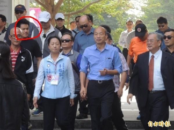 高雄市觀光局主秘高美蘭的兒子趙子淵(紅線圈起處),遭爆也擔任市長室機要秘書。(資料照)