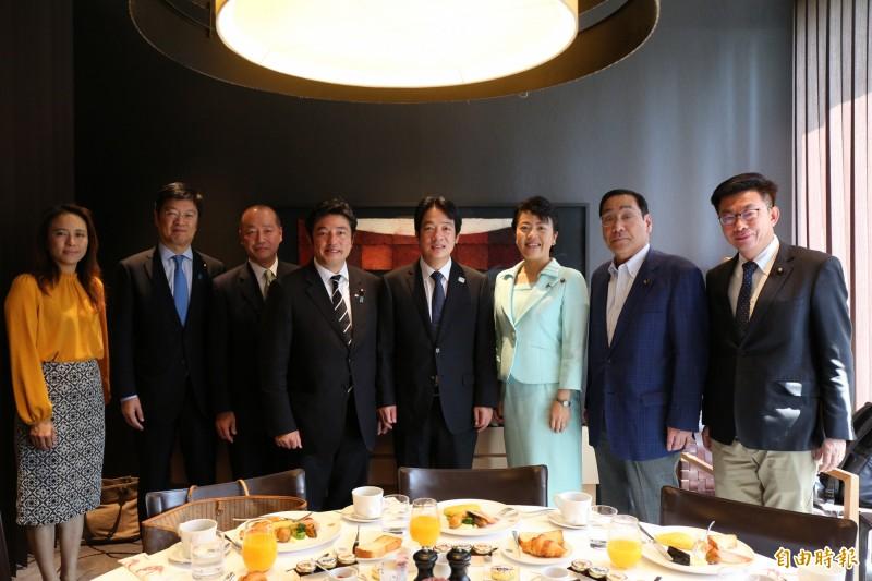 前行政院長賴清德今早與前少子女擔當大臣有村治子等6名參眾議員舉行早餐會。(記者林翠儀攝)