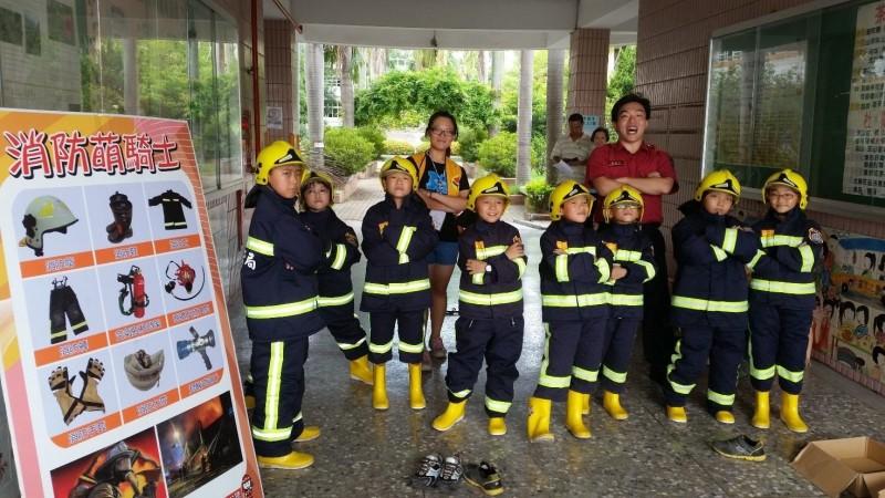 每年都秒殺的「消防小尖兵夏令營」。(取自彰化縣消防局官網)