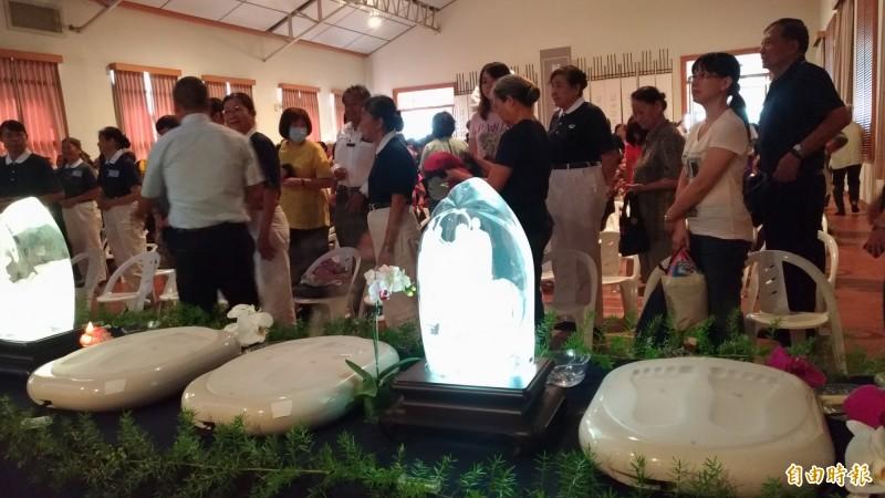 慈濟雲林聯絡處舉辦「浴佛節、母親節、全球慈濟日」三節合一慶祝活動。(記者廖淑玲攝)