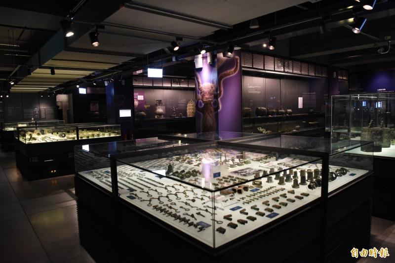 東周展即日起在中研院歷史文物陳列館一樓展出。(記者吳亮儀攝)