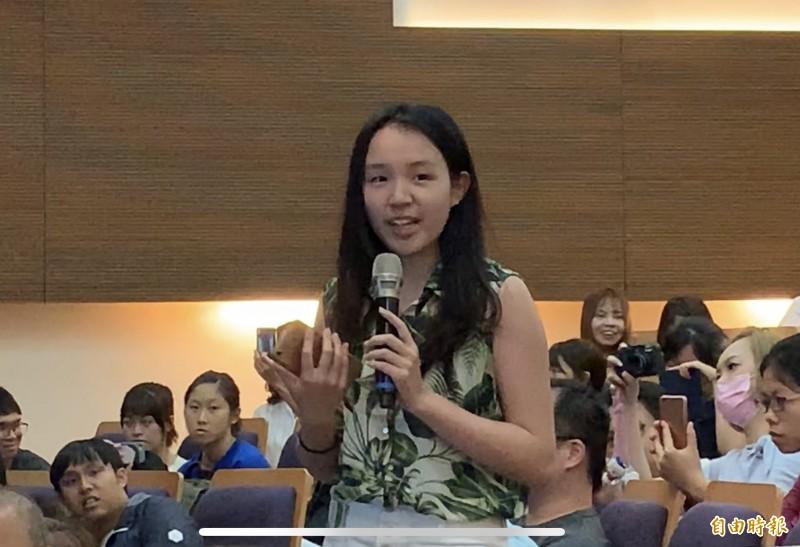 學生反映近來「亡國感」很嚴重,公開發表「我支持台獨」就會被警告。(記者蔡淑媛攝)