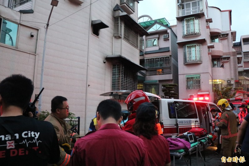 台南永康復華八街一處民宅今晨傳出火警。(記者萬于甄攝)