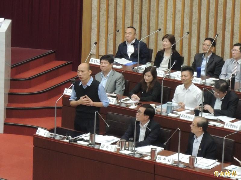 韓國瑜形容陳致中質詢像是降龍十八掌。(記者王榮祥攝)
