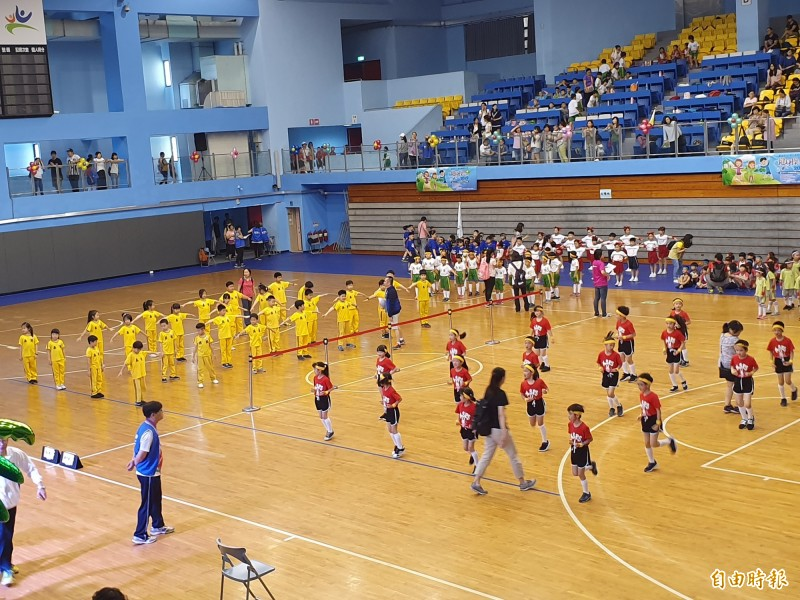 (記者林家宇攝)107學年度國民小學健康操比賽,今日於台北體育館熱鬧登場。