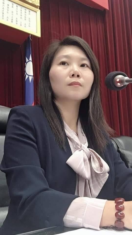 國民黨議員李雅靜反批柯文哲想選總統找話題曝光。(記者陳文嬋翻攝)