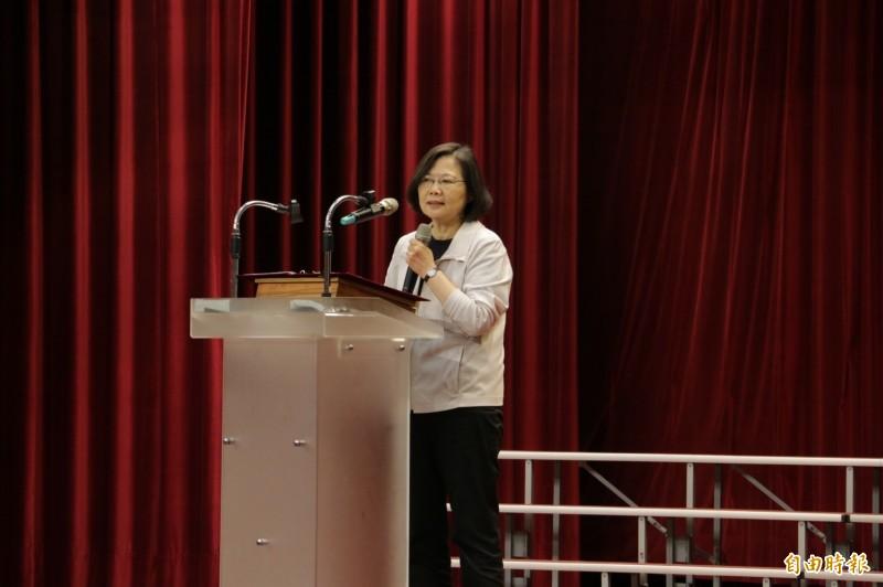 總統蔡英文參加甲安埔小英姐妹會舉辦的造勢活動。(記者張軒哲攝)