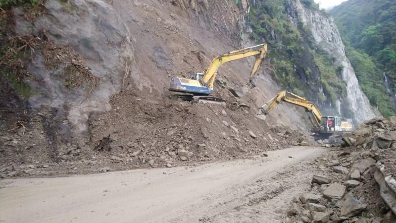 阿里山公路77k~88k(十字路至阿里山)路段今晚預警性封閉。(記者蔡宗勳翻攝)