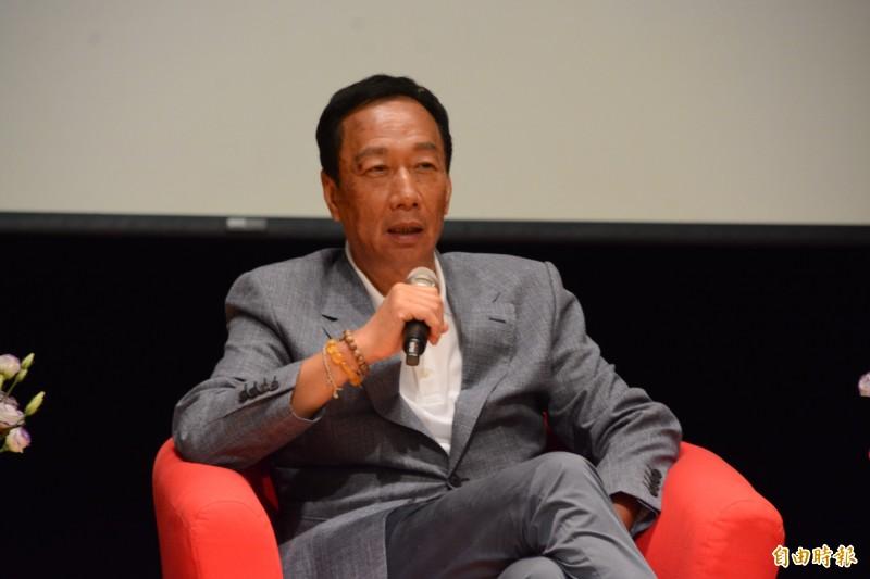 鴻海董事長郭台銘今到東華大學與青年座談,大方讓學子「暢所問答」,還要求辛辣一點。(記者王峻祺攝)