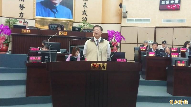 台南市長黃偉哲答詢表示,台南捷運尚在規劃中,各種系統型式都會考量。(記者洪瑞琴攝)
