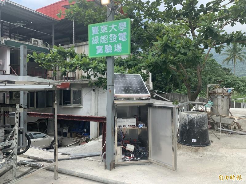 台東大學團隊利用溫泉溫差成功發電。(記者張存薇攝)