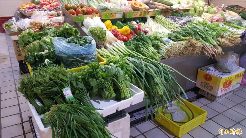 今蔬菜價格上漲,尤其是遇水易爛的葉菜類漲較多。(記者楊心慧攝)