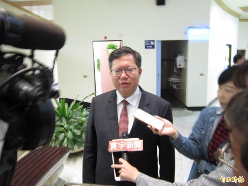 對於民進黨中執會討論總統初選事宜,桃園市長鄭文燦不願表示意見。(記者謝武雄攝)