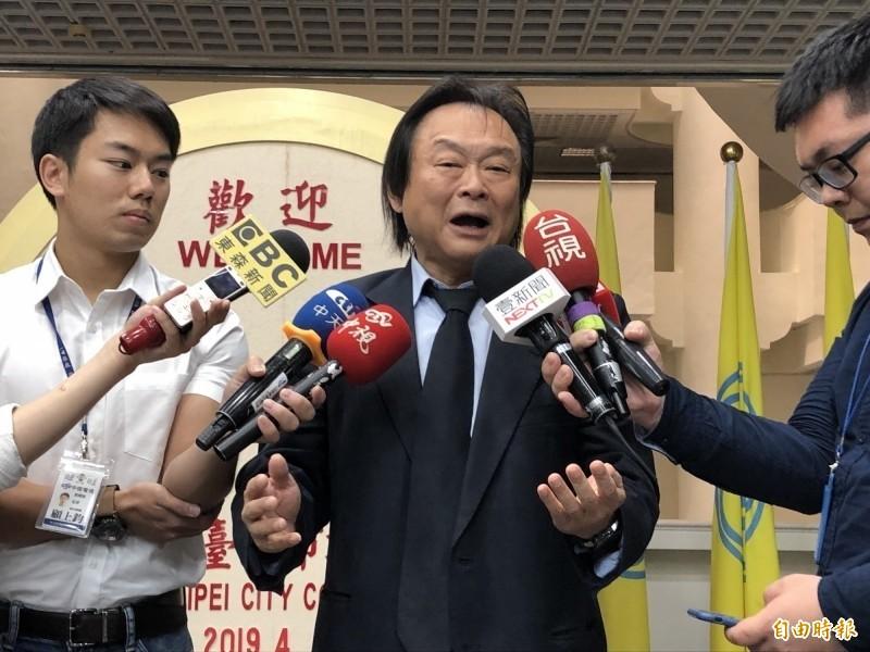 台北市議員王世堅看到柯吐舌畫面,直呼「噢!拜託不要給我看那種,我覺得很噁爛的畫面。」(資料照)