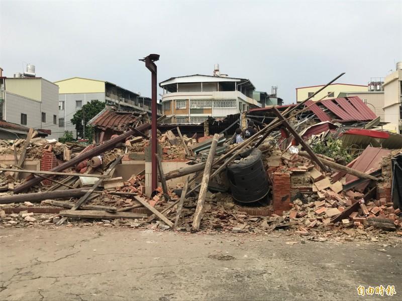 劉家古厝遭突襲式拆毀。(記者洪臣宏攝)