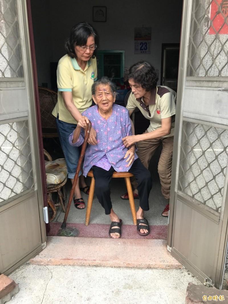 在家族拆屋還地訴訟中,103歲劉鍾敏成了全國最老被告。(記者洪臣宏攝)