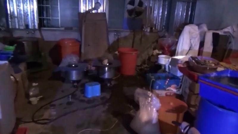 桃園市調查處破獲製毒工廠查扣製毒工具。(調查局提供)