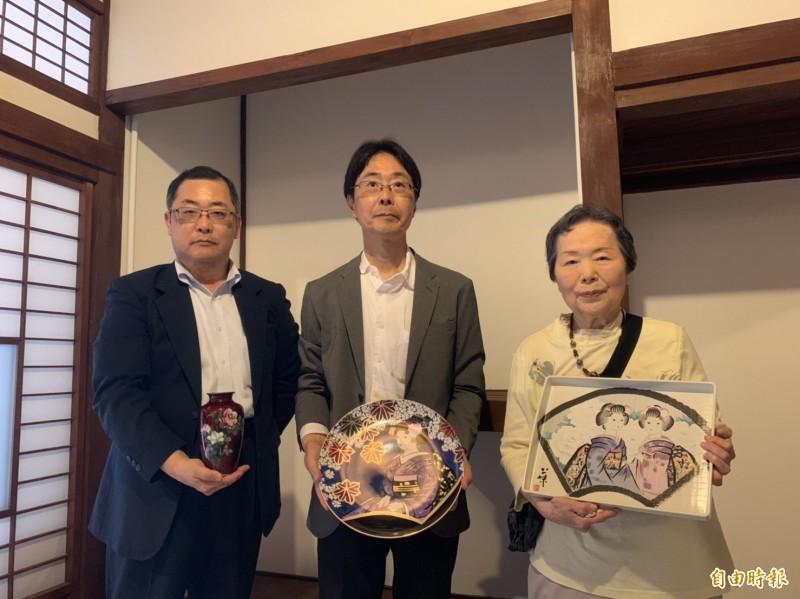 今泉光子今還自日本帶來3件與兒時記憶相仿的京都瓷器,依昔日原貌布置。(記者王峻祺攝)
