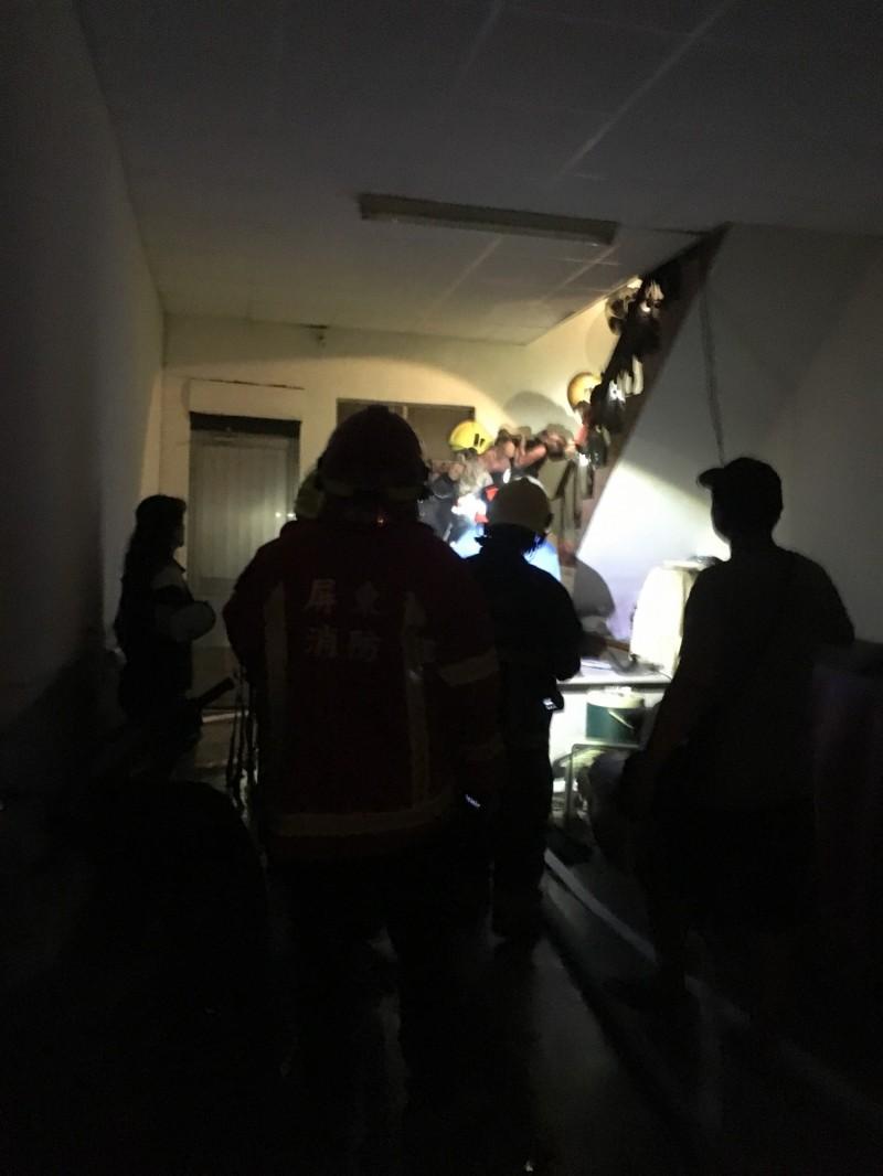 潮州傳出火警,1人無生命跡象搶救中。(記者邱芷柔翻攝)