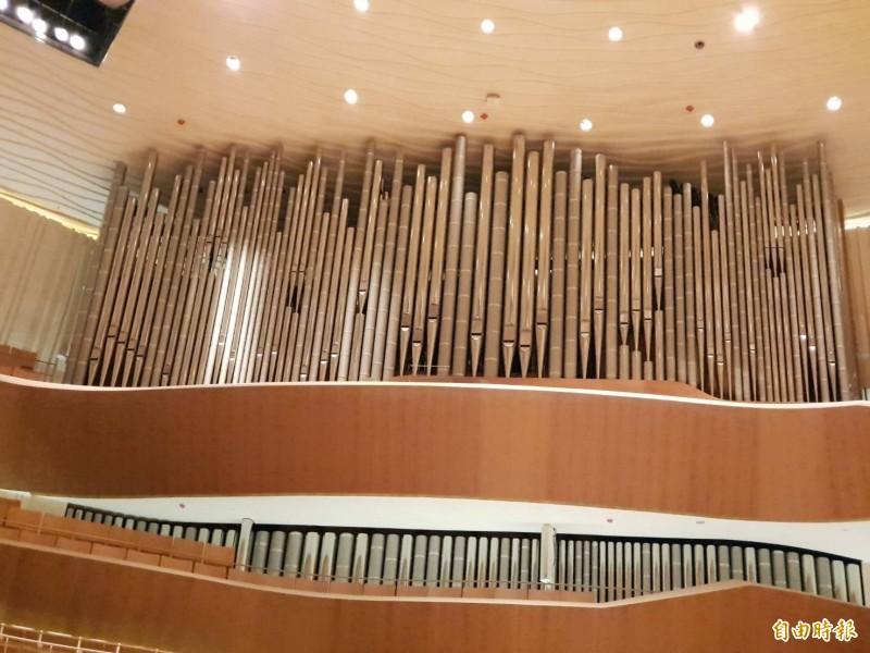 衛武營的管風琴是亞洲管風琴之王。(記者陳文嬋攝)