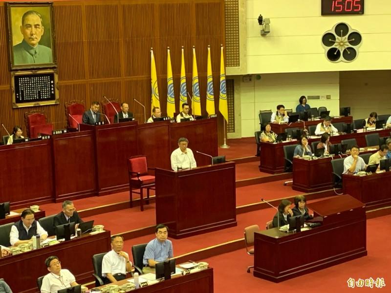台北市長柯文哲今天下午赴議會報告追減預算案。(記者沈佩瑤攝)