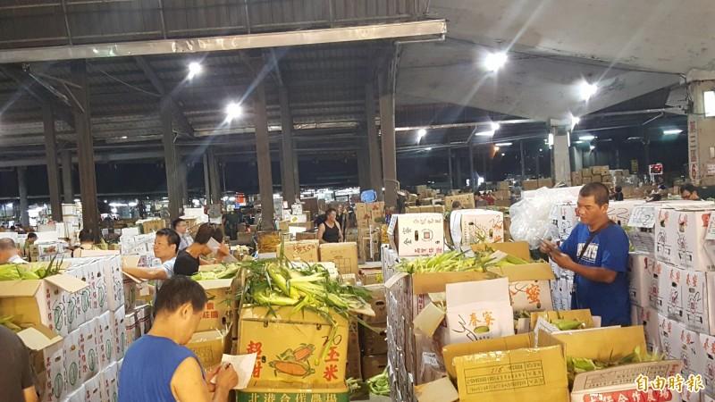 第一果菜批發市場拍賣場。(記者楊心慧攝)