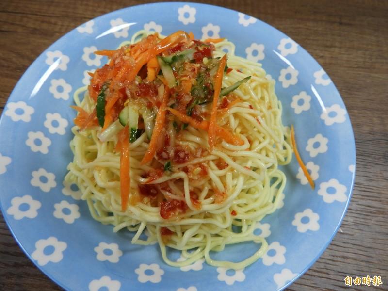 泰式涼麵。(記者賴筱桐攝)