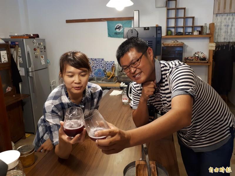 慕淳日式刨冰店,除了刨冰,還有口感甜蜜的氣泡飲,都是用天然果醬調製,喝起來過癮暢快,是不想吃刨冰者的首選。(記者洪美秀攝)