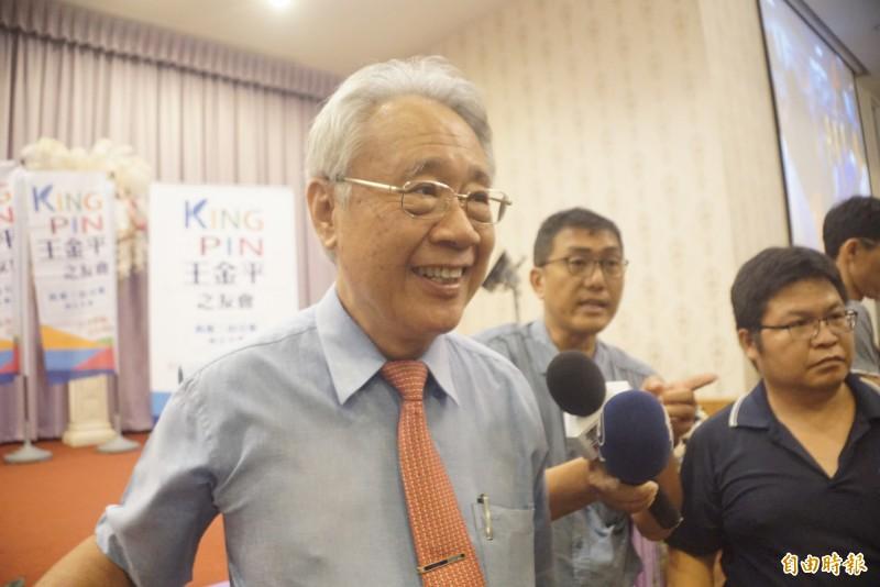 挺韓大將之一的高雄市農會理事長蕭漢俊現身力挺王金平成立三山之友會。(記者黃佳琳攝)