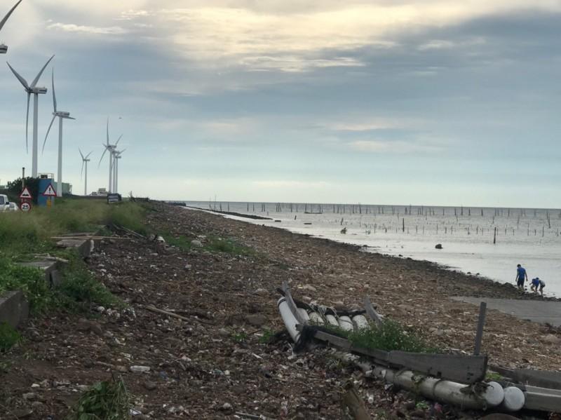 縣府花7天時間清除海岸線垃圾,恢復原有樣貌。(圖縣府提供)