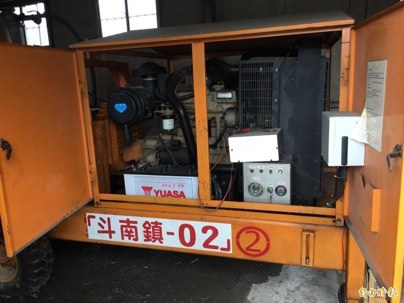 豪雨來襲斗南公所汰換石牛溪老舊抽水機。(記者黃淑莉攝)